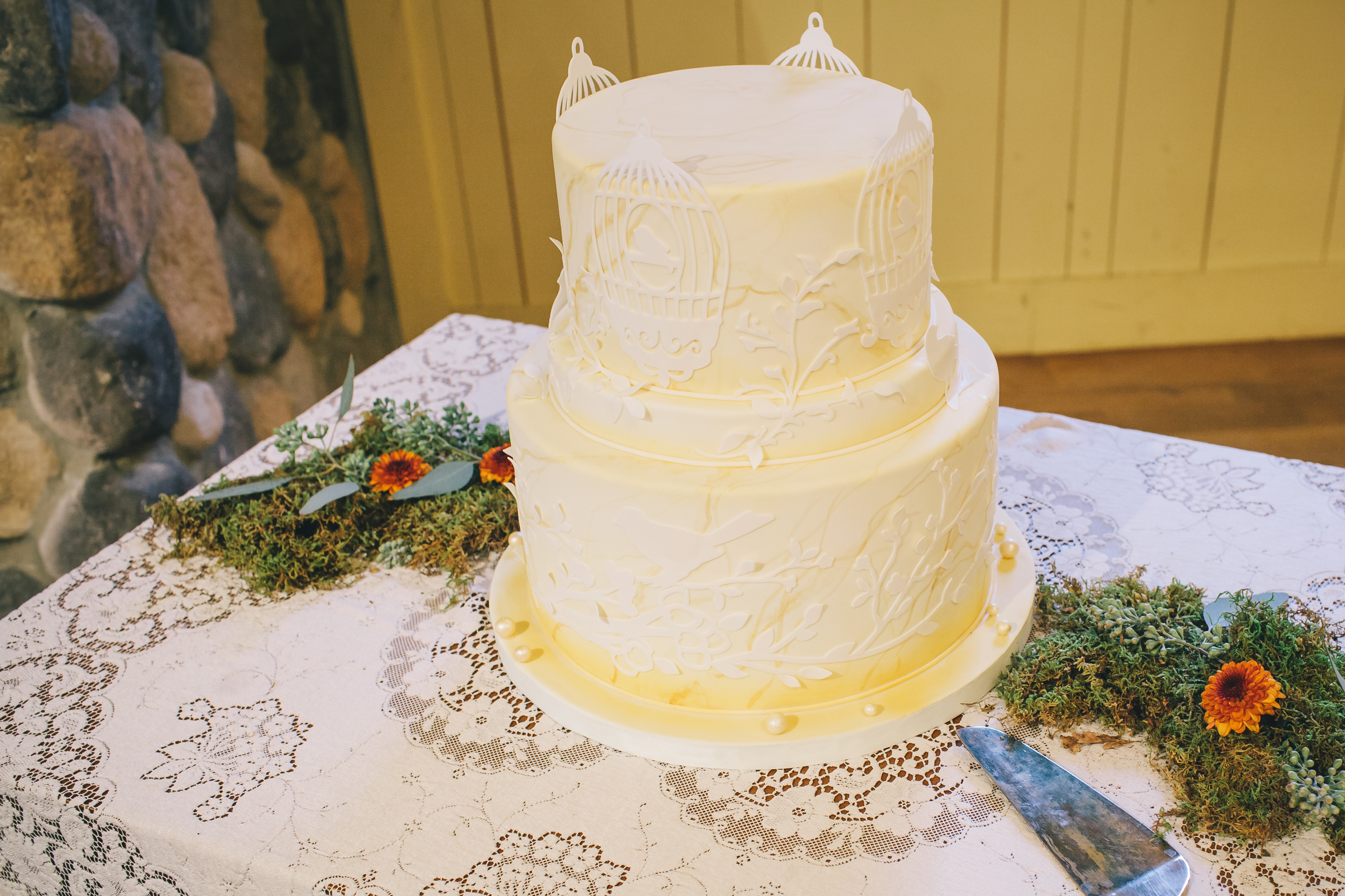 sideserf cake studio vintage fall wedding inspiration shoot amanda douglas 7368