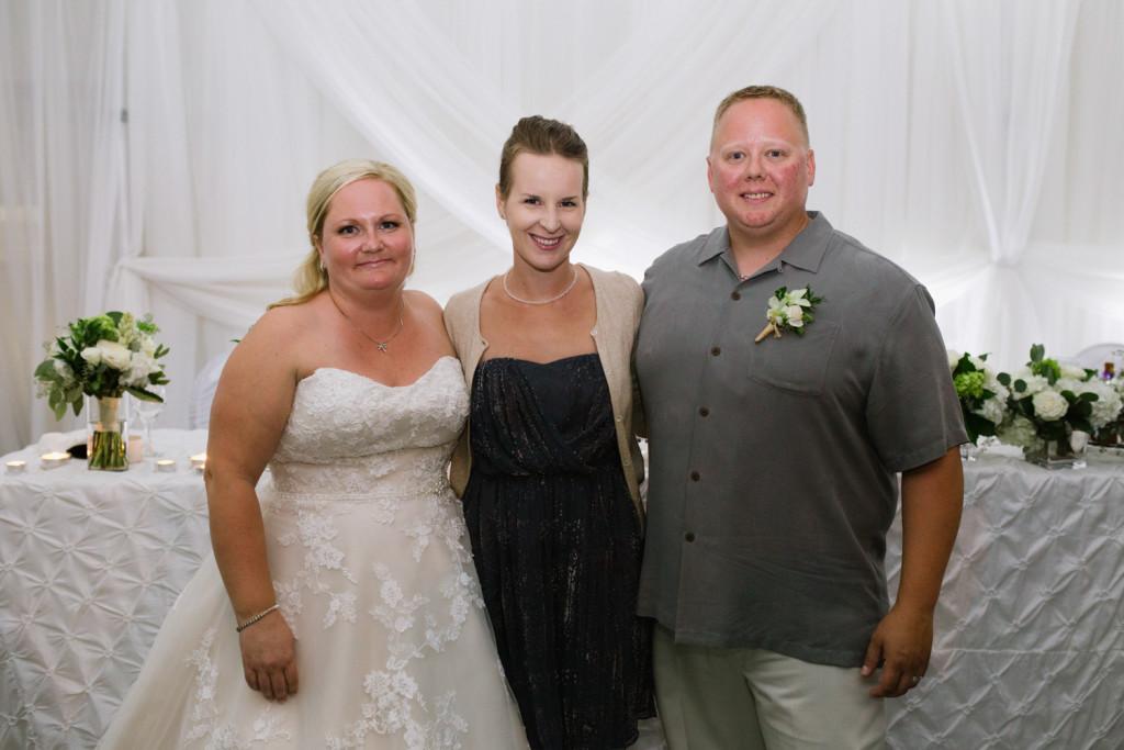 Corrie Amp Jeff S Gimli Lakeside Wedding Amanda Douglas